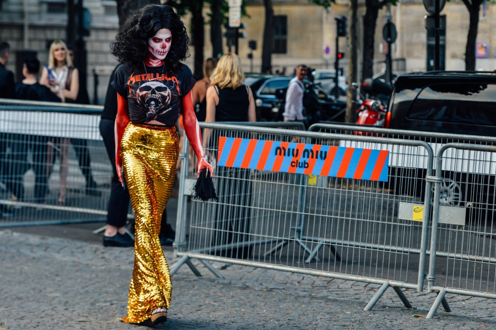 10-fall-2015-couture-street-style-17